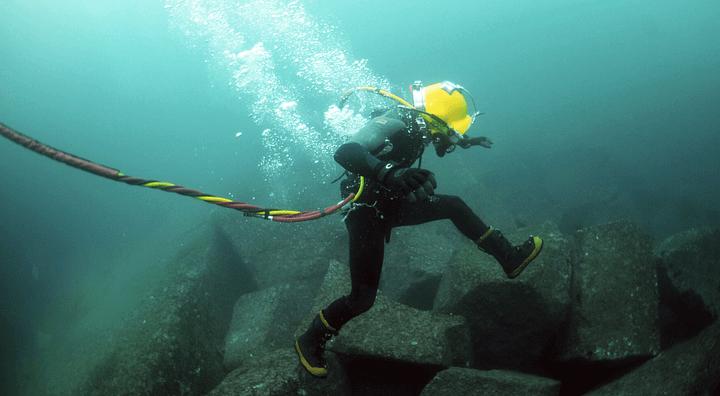 Under Water Welders